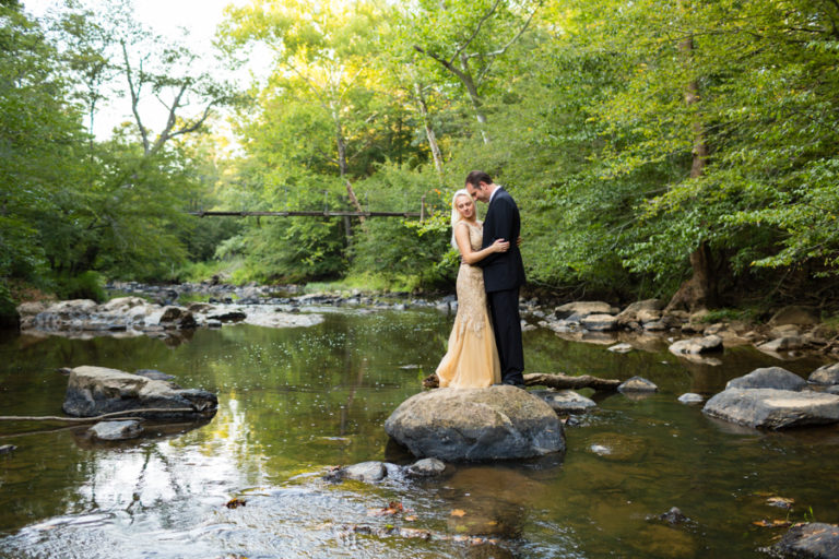 Read more about the article Eno River State Park Engagement Session | Dominika + Mark