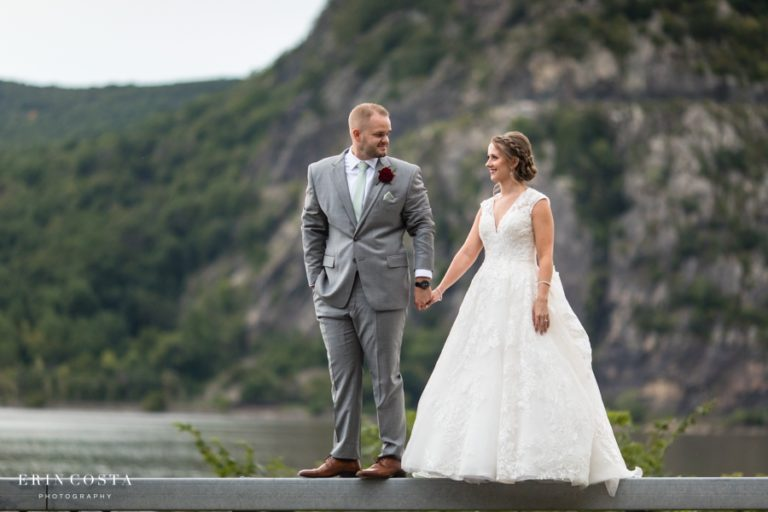 Read more about the article Chalet on the Hudson Wedding Photos   Melissa & Roger