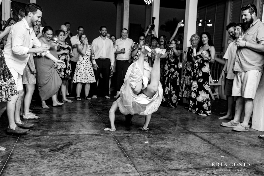 You are currently viewing Southern Grace Topsail Beach Wedding Photos | Nikki & Mark